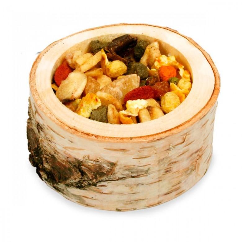 Comedero de madera con Ensalada de Frutas